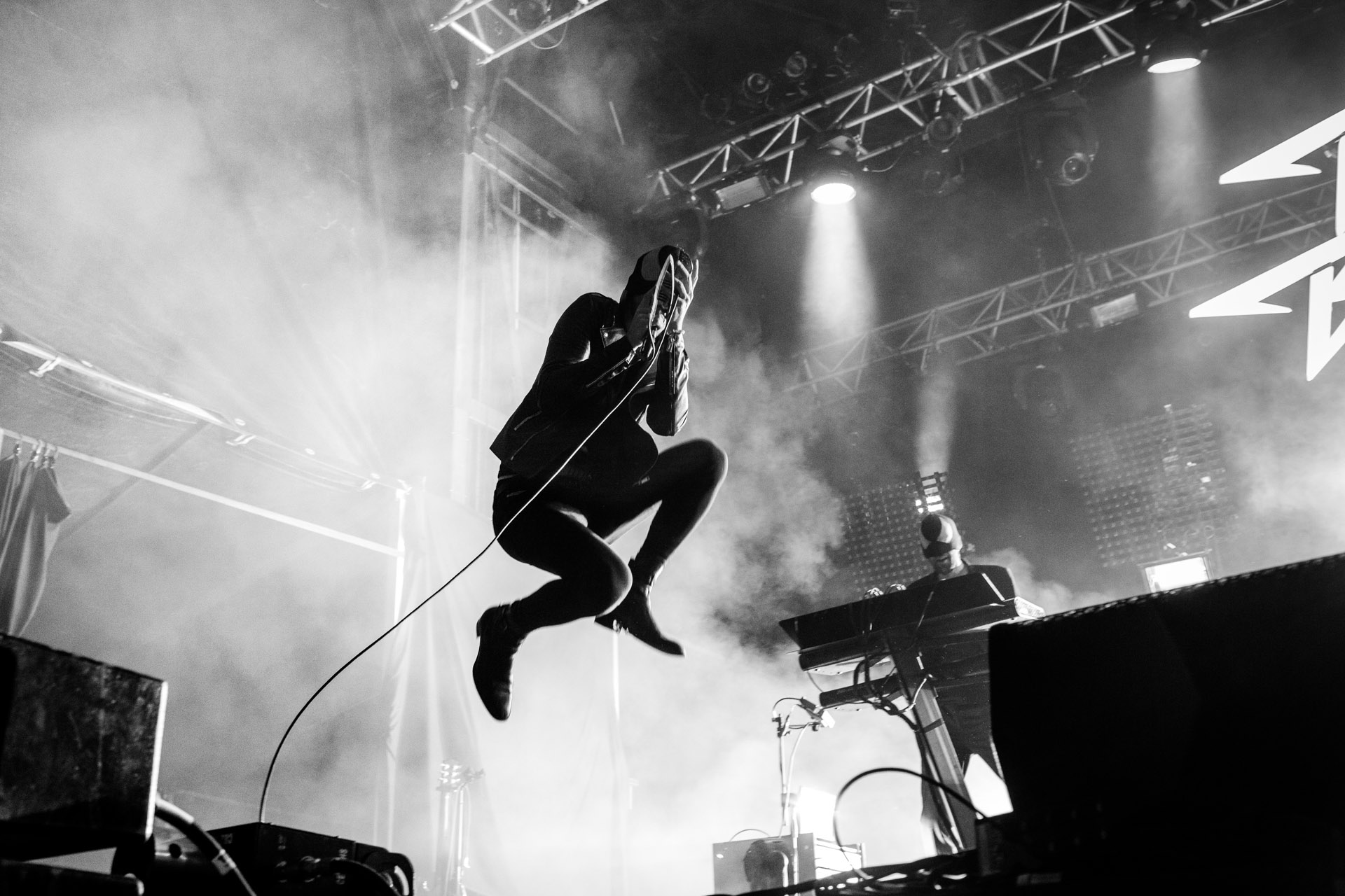 BLOODY BEETROOTS_12