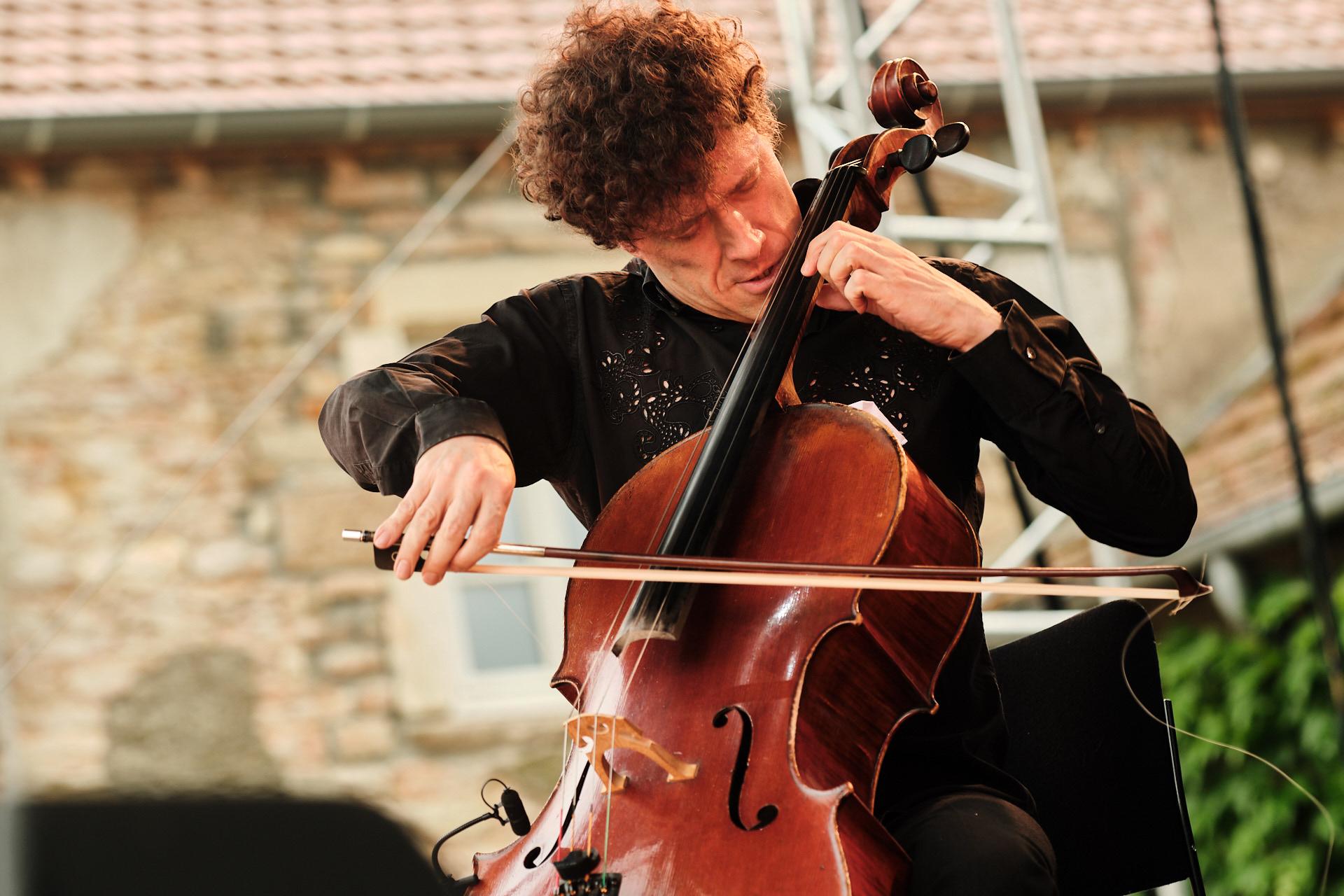Loco Cello
